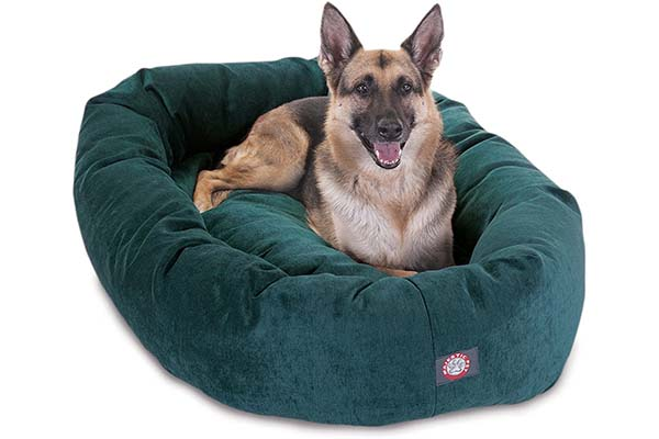 Villa Bagel Plush Dog Bed