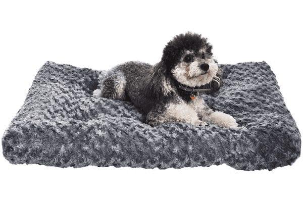 AmazonBasics Plush Dog Bed