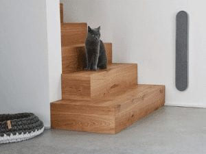 Volto Scratching Post
